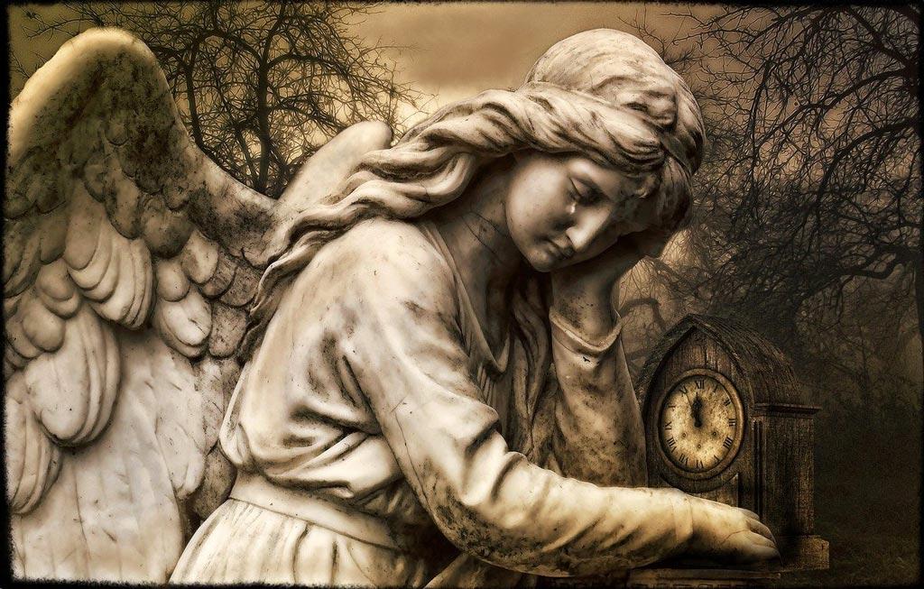 Smutný anděl s hodinami